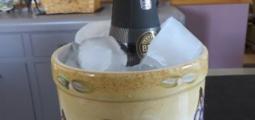 How To Quickly Chill Wine Or Champagne 002 (Mobile)