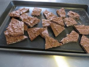 Salted Chocolate Toffee Bark Recipe 046 (Mobile)