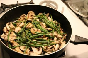 One Skillet Chicken And Green Beans Recipe 041 (Mobile)