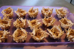 Candy Easter Egg Nests Recipe 081 (Mobile)