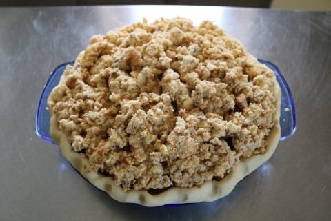 apple-raisin-cookie-crumble-pie-recipe-mobile-7