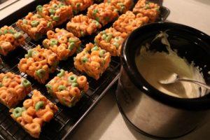 caramel-apple-jack-treats-recipe-037-mobile