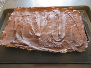 caramel-butterscotch-chocolate-cracker-bars-recipe-016-mobile
