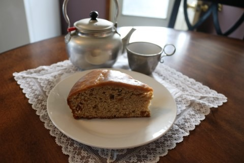 Spice Tea Cake with Raisins