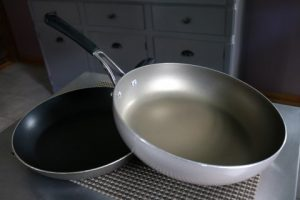 7 Coomon Mistakes When Using Nonstick Pans 017 (Mobile)